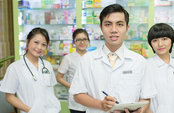 Cao đẳng Y khoa Phạm Ngọc Thạch đào tạo trình dược viên chất lượng